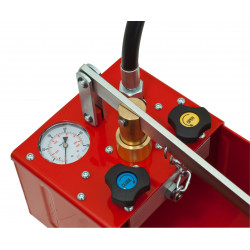 Dual pressure tester: double valve for test and draining